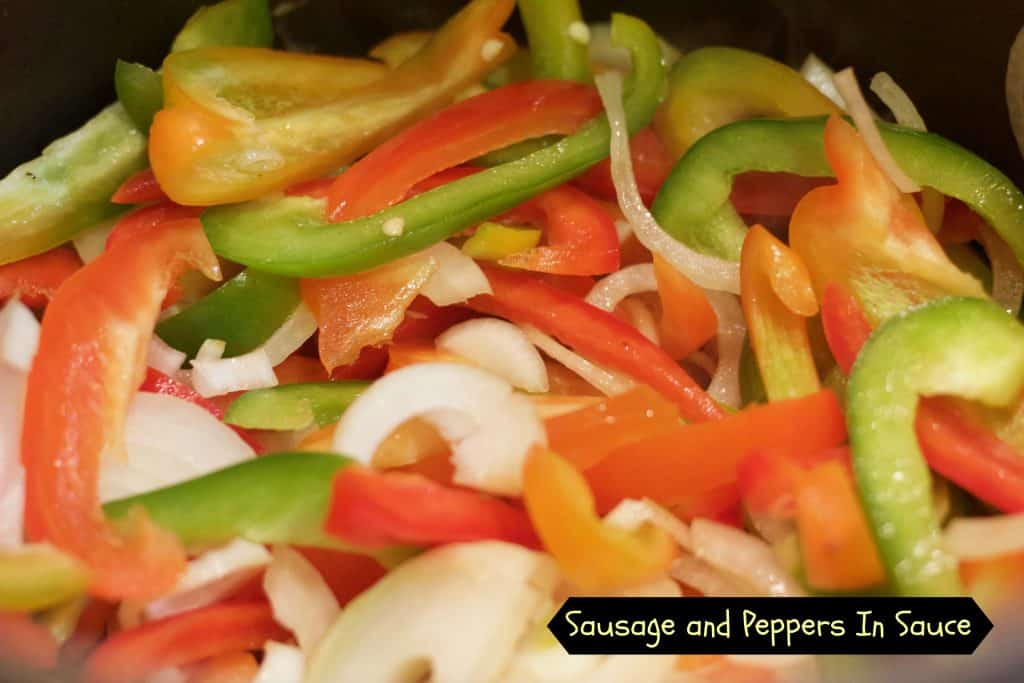 Sausage and peppers in sauce | Erin Brighton | gluten free | slow cooker | easy dinners | family dinners